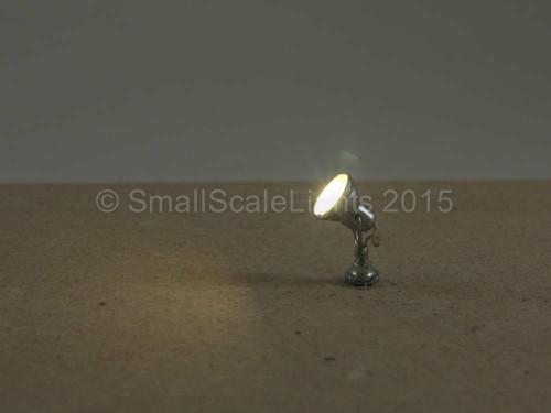 OO Gauge Silver Adjustable Spotlight / Floodlight