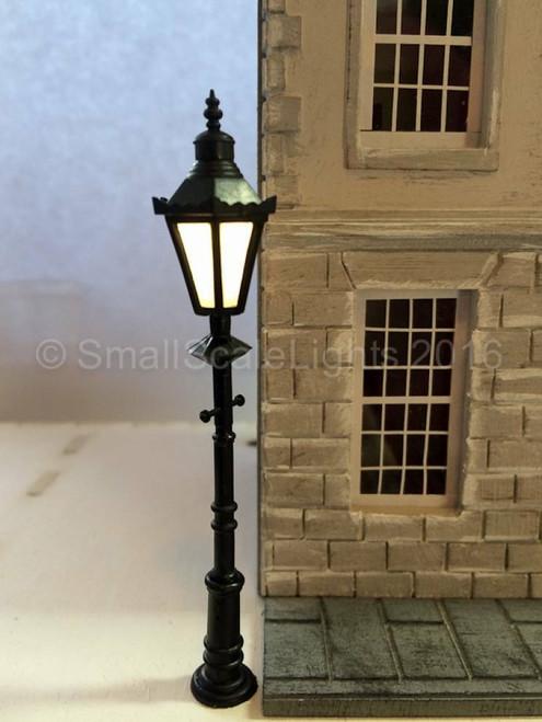 O Gauge Traditional LED Lamp Post Individual