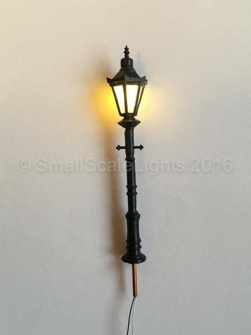 OO Gauge Traditional LED Lamp Post - 65mm Individual