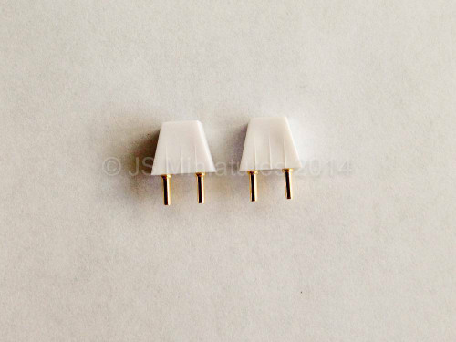 Dolls house 2 pin Plugs Pack of 2