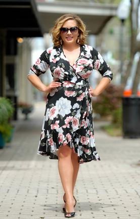 9294efb8d47 Bed Of Roses Floral Wrap Dress - Black