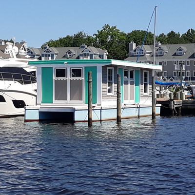 House boat on the Jersey Shore