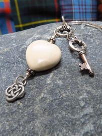 Hearts of Ireland Pendant - Cream / Ulster