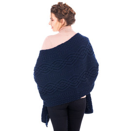 Classic Cable Wool Wrap
