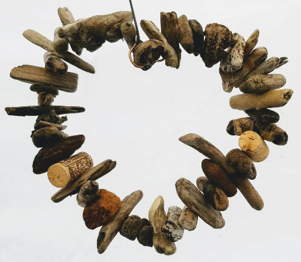 Driftwood Heart Wreath, Medium
