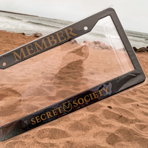 MEMBER LICENSE PLATE COVER BLACK AND GOLD