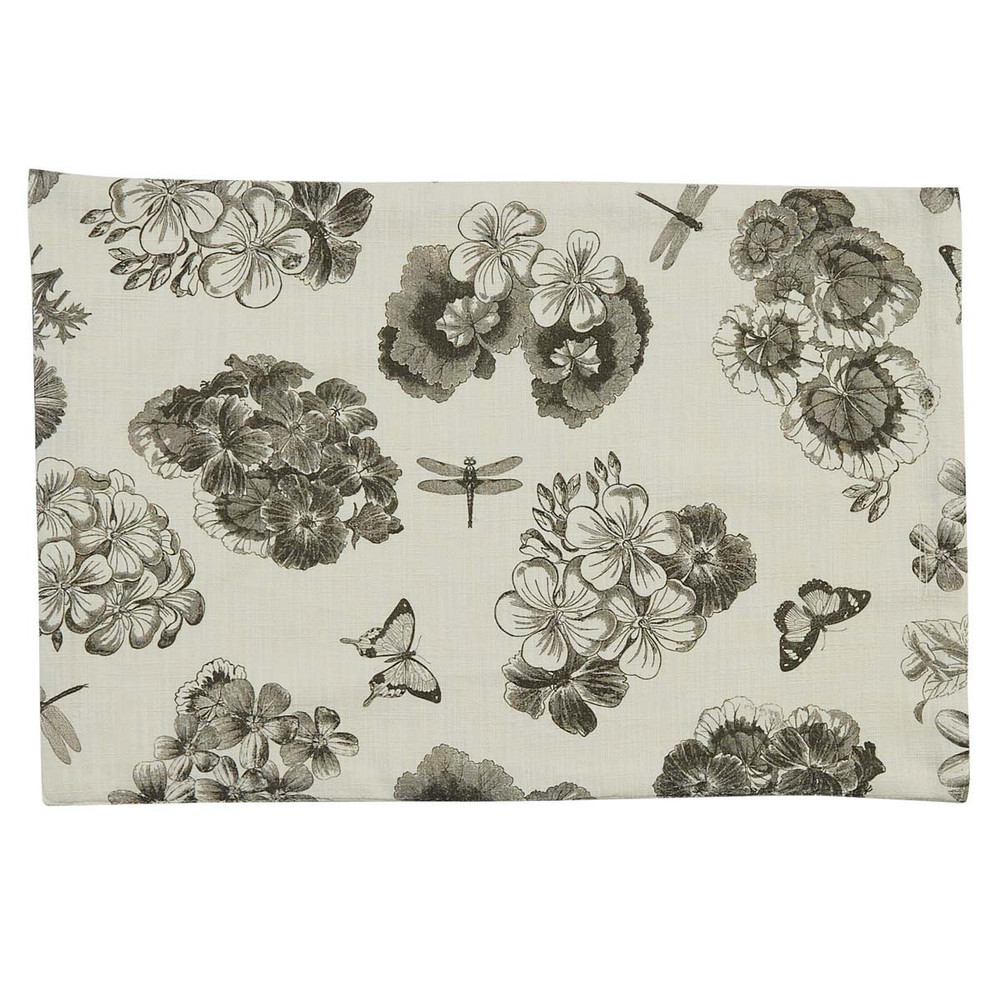 placemat with geranium pattern