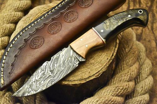 HANDMADE DAMASCUS STEEL BLADE FULL TANG KNIFE WITH RAM HORN