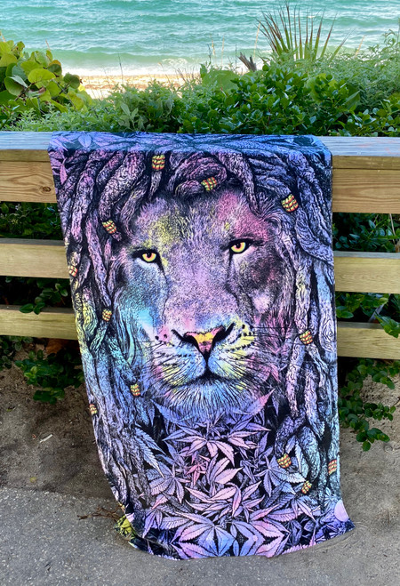LION EYES TOWEL 1