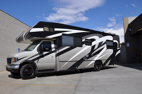 FORD 28' CLASS C MOTOR HOME GLOSS VEHICLE WRAPS WITH CUSTOM DESIGN