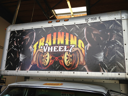 FORD UHAUL BOX TRUCK 14' GLOSS VEHICLE WRAPS WITH CUSTOM DESIGN