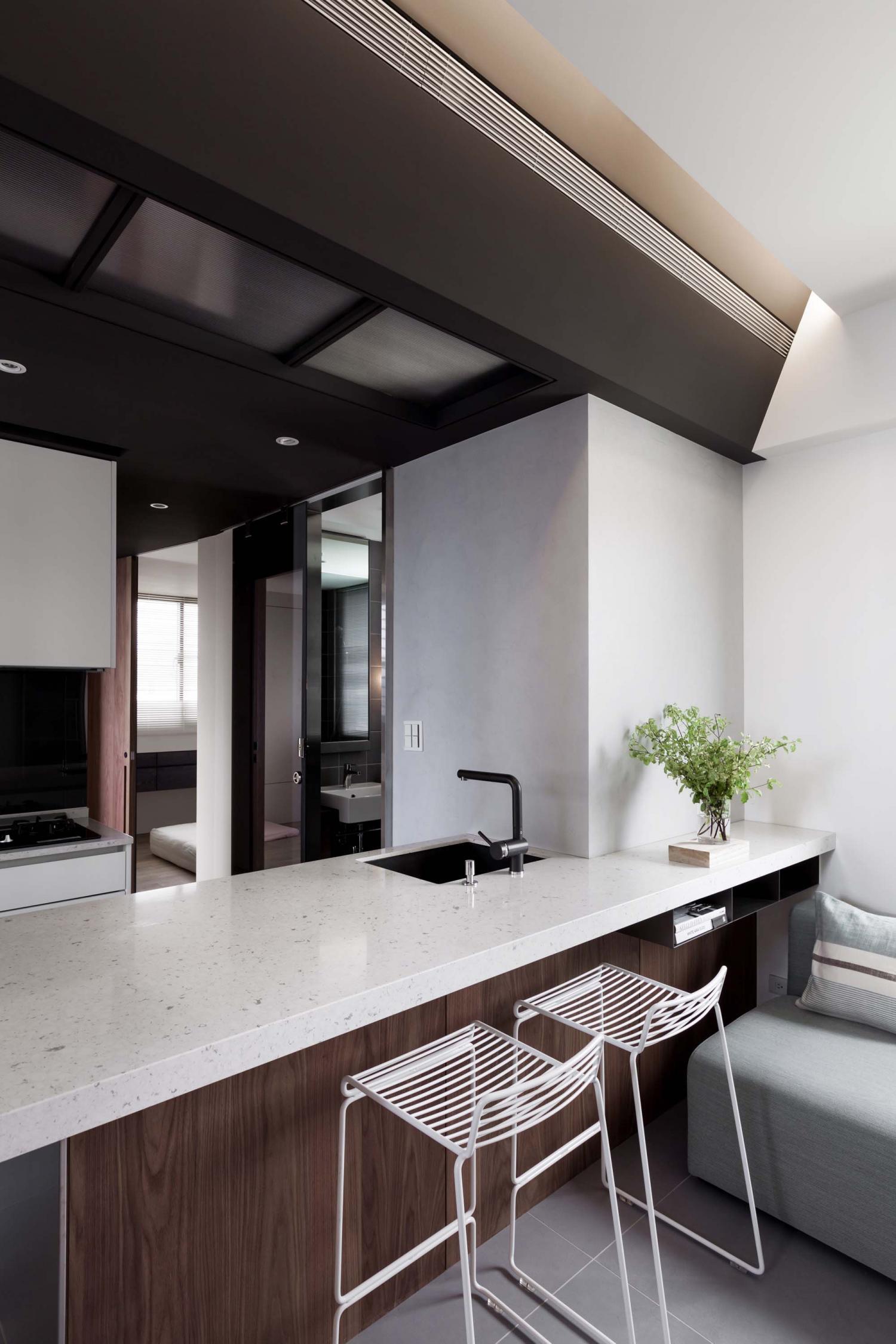 Interior Image 204
