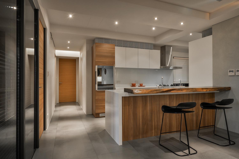 Interior Image 300