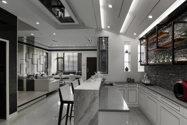 Interior Image 367