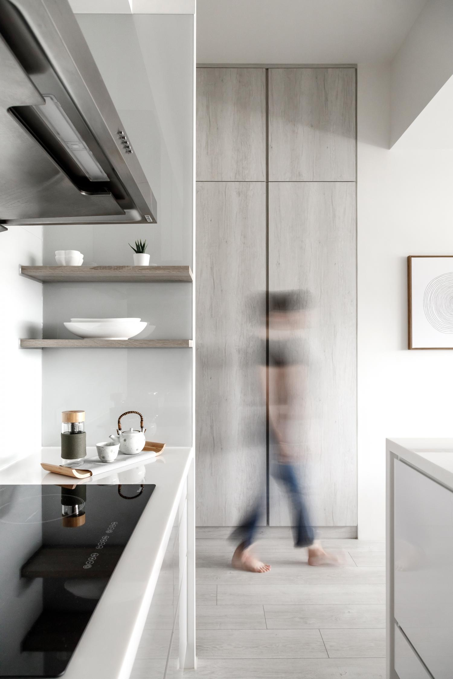 Interior Image 406