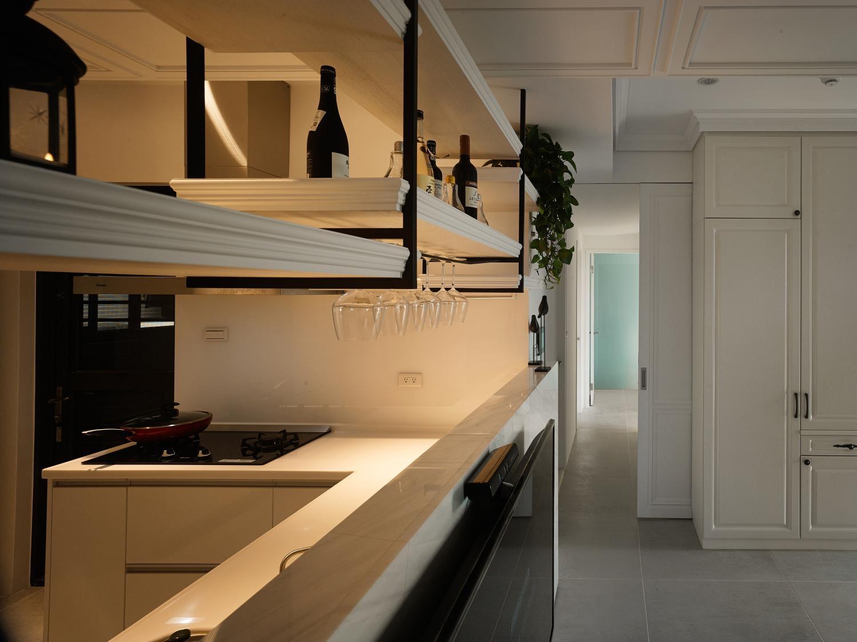 Interior Image 411