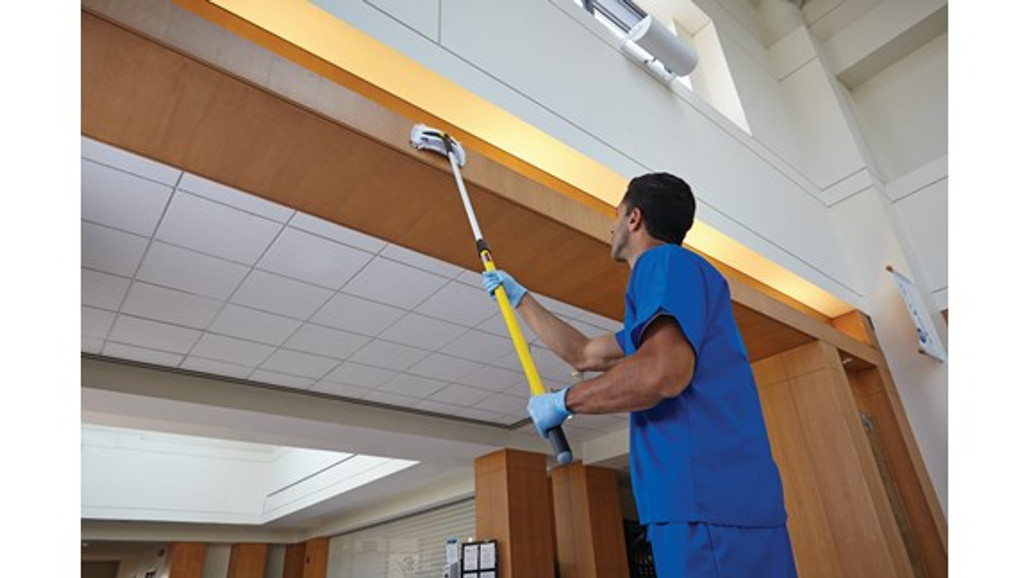 Hygen™ Quick Connect Handle extends to reach the highest spaces with ease | Harmony Lab and Safety Supplies