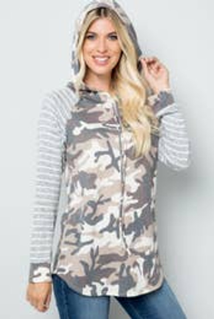 Stand Out! Camouflage Top