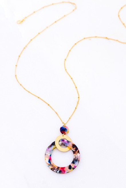 Resin Around With Gold Necklace
