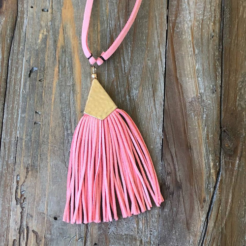 Touch Of Tassel Necklace In Pink