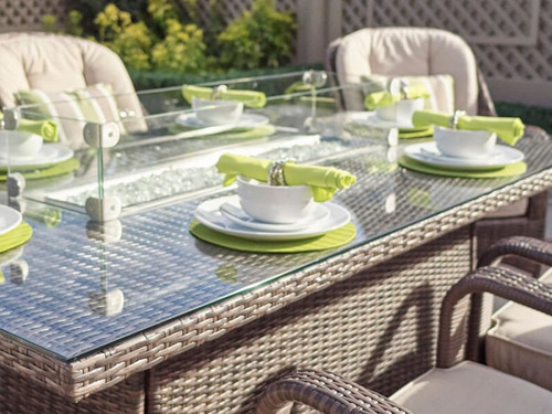 The windshield For Rectangular Gas Fire Pit Dining Table
