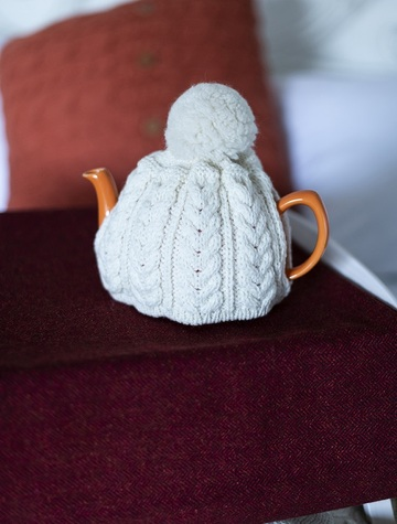 Aran Cable Knit Tea Cosy  - Natural White