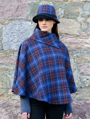 Mucros Poncho - Blue Red Plaid