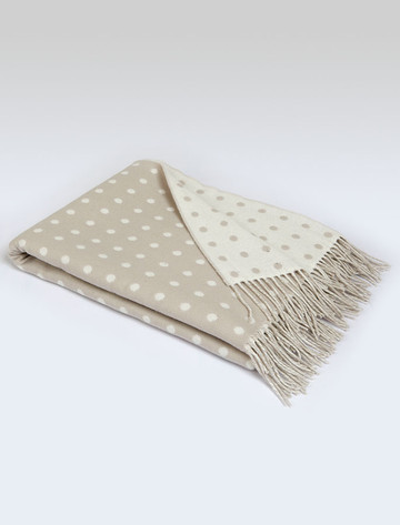 Lambswool Throw - Bone Spot