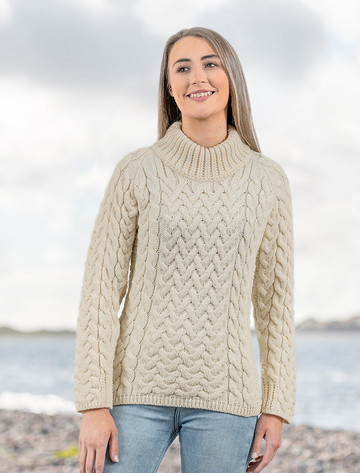 Women's Aran Cable Crew Neck Sweater - Natural White