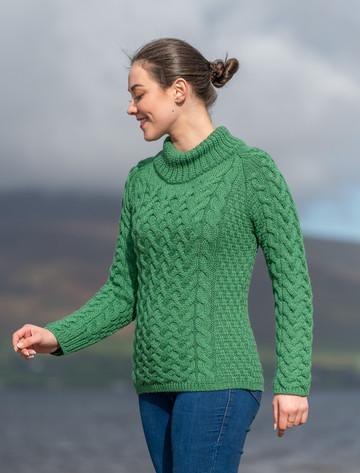 Women's Aran Cable Crew Neck Sweater - Kiwi