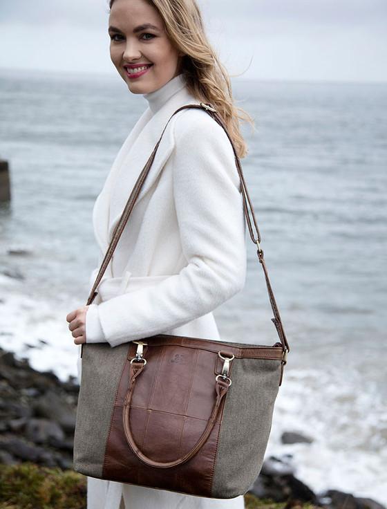Large Traditional Tweed & Leather Shoulder Bag