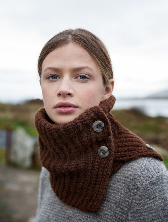 Ribbed Button Collar Wool Snood - Chestnut