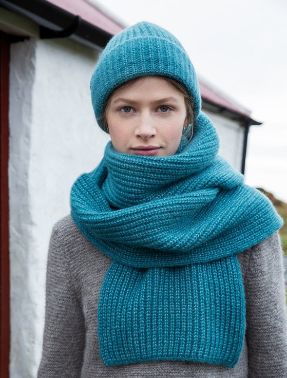 Extra Fine Ribbed Wool Scarf - Turquoise