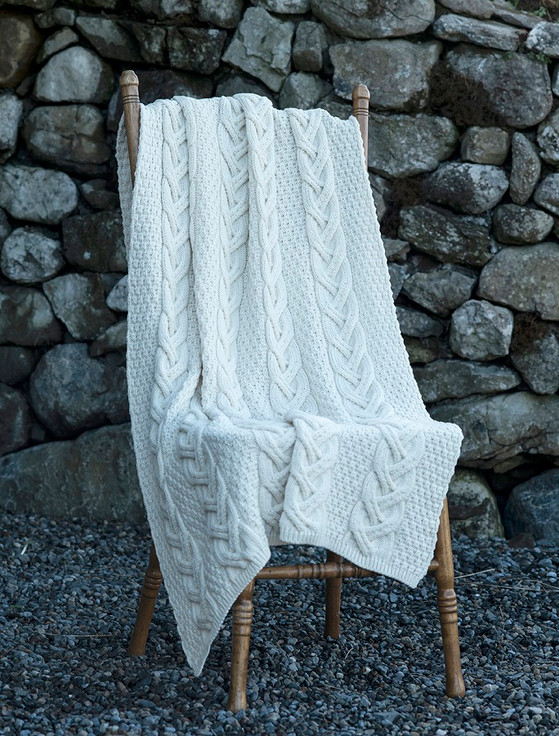 Super Soft Chunky Cable Knit Aran Throw