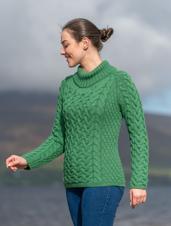 Women's Aran Cable Crew Neck Sweater - Kiwi