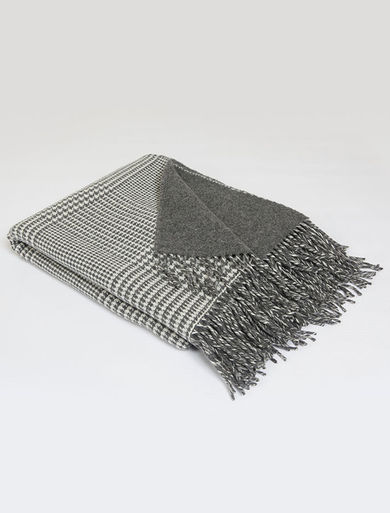 Lambswool Throw - Grey Houndstooth