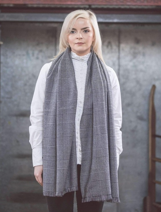 Cashmere Wool Stole - Black & White Check