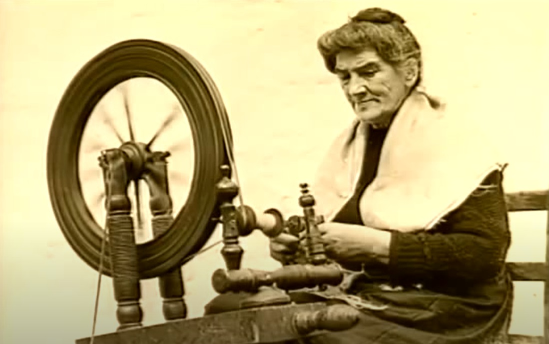 woman-spinning-spools.jpg