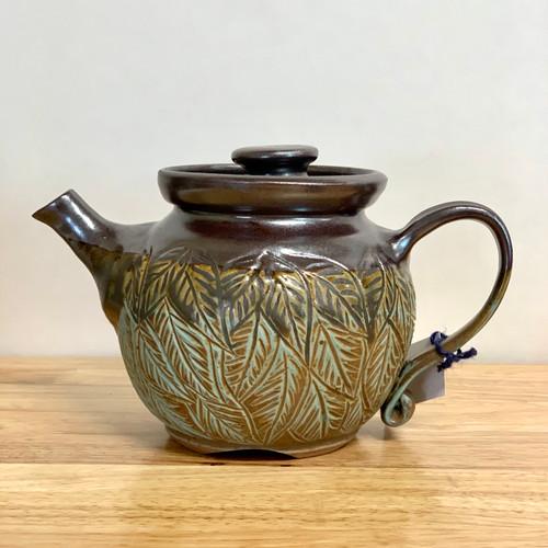 Handmade Pottery Teapot w/ Carved Leaf Design 32oz