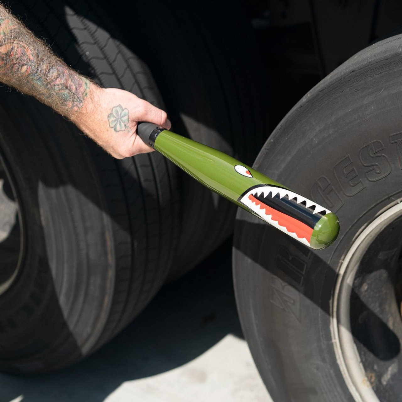 "17"" Tire Checking Bat, P-40 "" Warhawk"" Shark Mouth"
