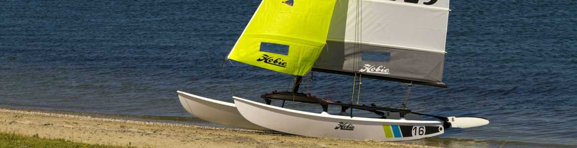 cat-banner-hobiecat-hobie-16-beach.jpg