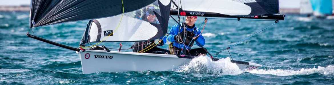 cat-banner-rooster-rs500-downwind.jpg