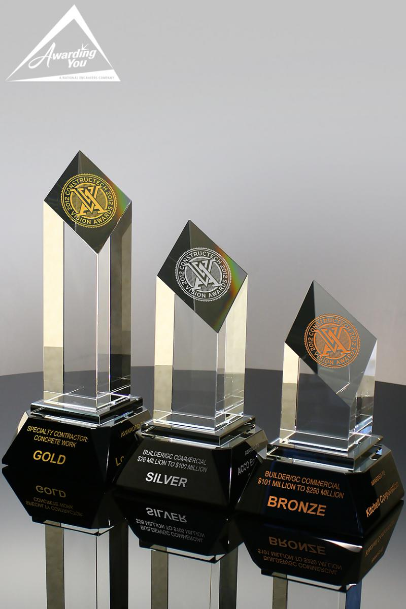 Use Crystal Awards with multiple sizes for work anniversaries