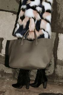 Beck Medium Classic Leather Beck Bag, Olivia Taupe