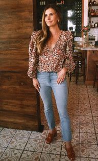Anna Cate Nora Top, Tan Red Floral