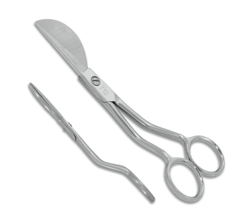 open blades showing angled duckbill Applique Scissors #712 - side view