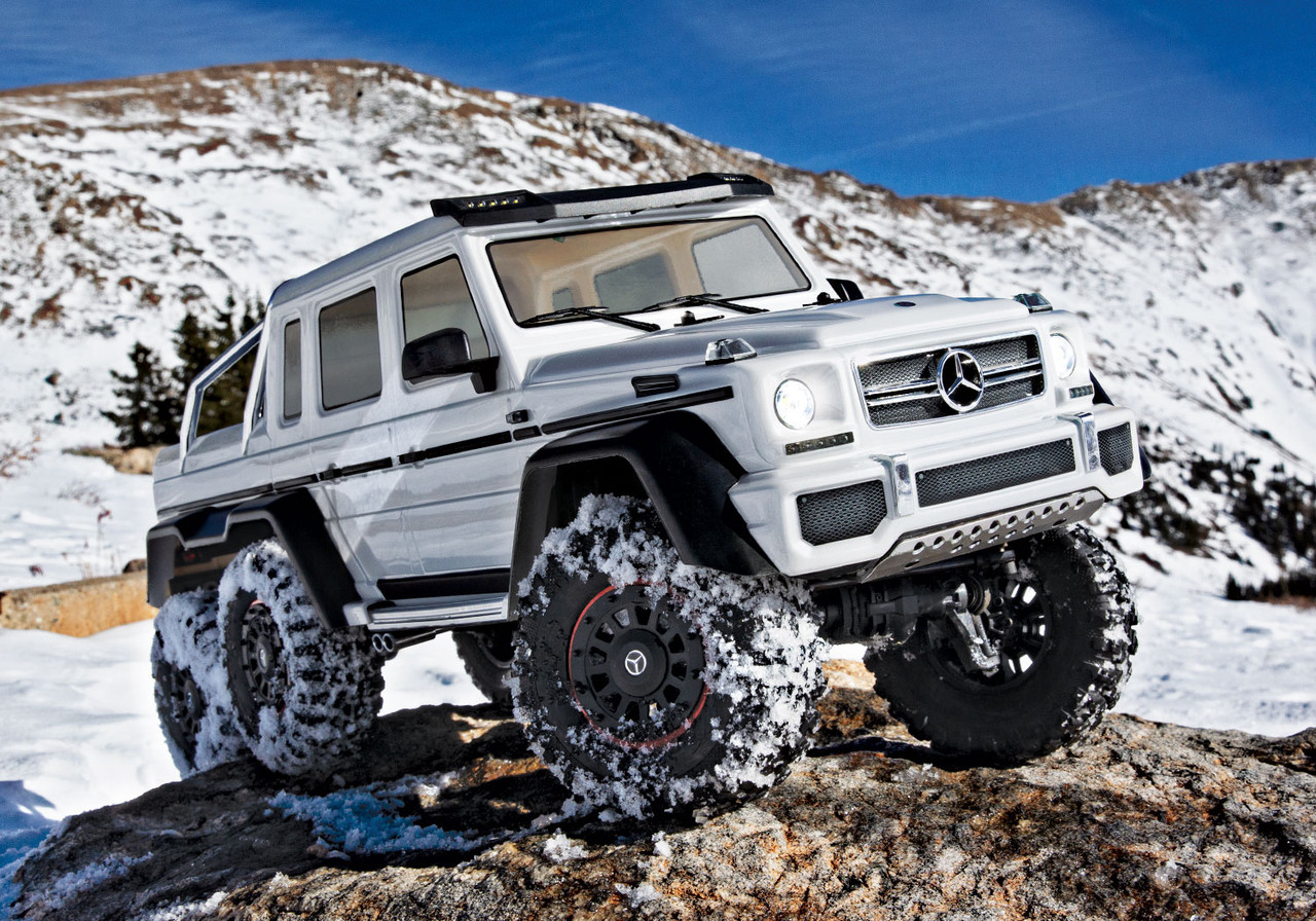 Traxxas TRX-6 Mercedes-Benz G 63 AMG 6x6, White