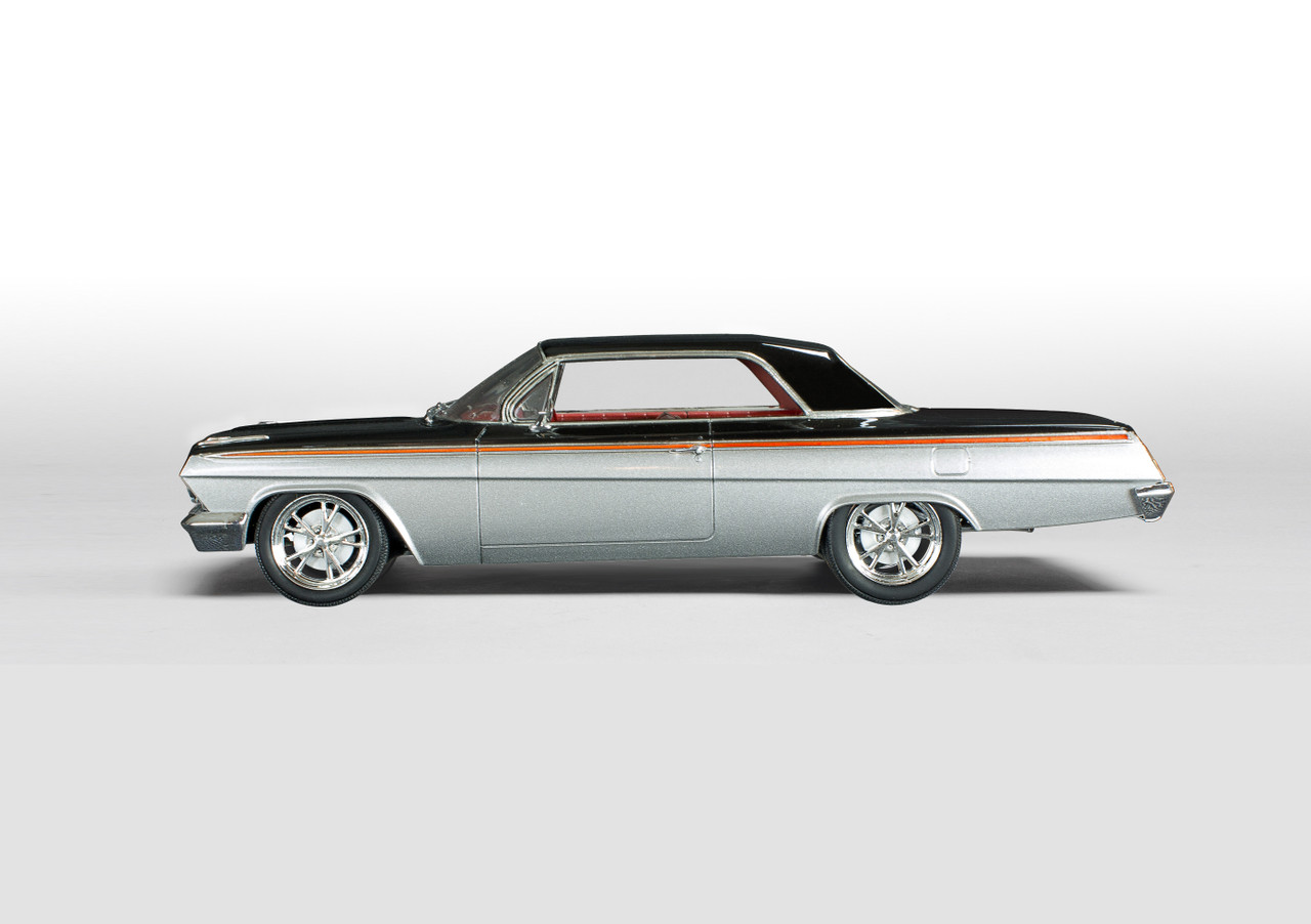 Revell 1/25 62 Chevy Impala Hardtop Model Kit