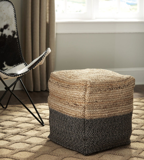 Sweed Valley Natural/Black Pouf