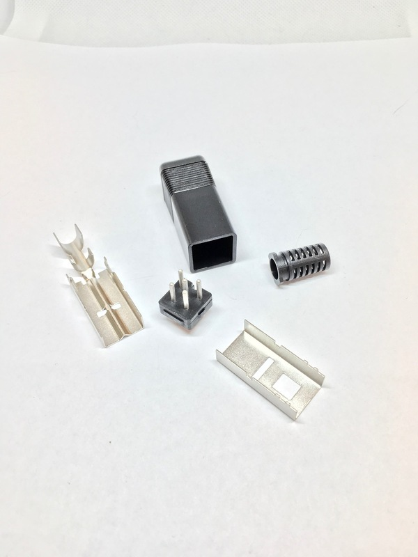 Power Plug  Amiga Square DIN 5-pin male connector